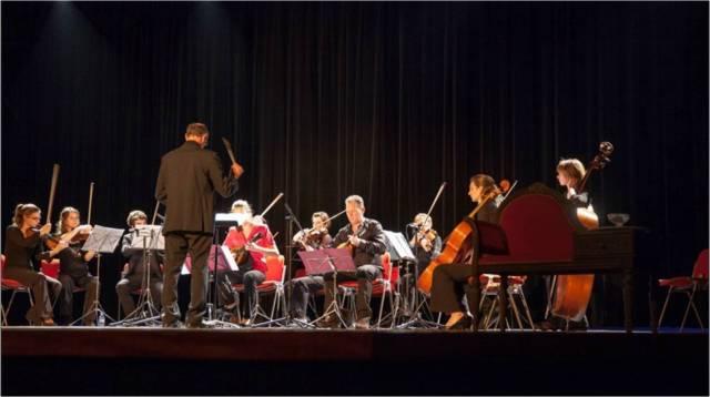 L'orchestre Opus 60, dirigé par Bernard Fleurette